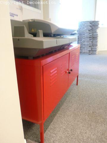 Bureau design noir et rouge d coratrice d 39 int rieur for Meuble bureau fer