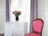 appartement-parisien-9-apres-fauteuil-framboise
