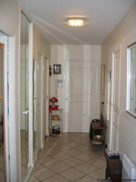Entr e japonisante blog deco motion florence bontemps d coratrice c - Decoration interieure couloir entree ...